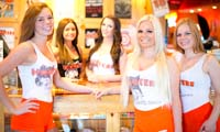 hooters winnipeg